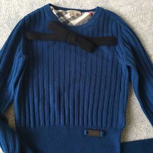 100% Wool Burberry Sweater with Black Bow tie XS
